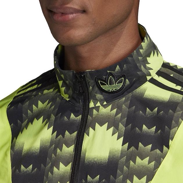 yeezy-boost-700-mnvn-phosphor-jacket-match-1
