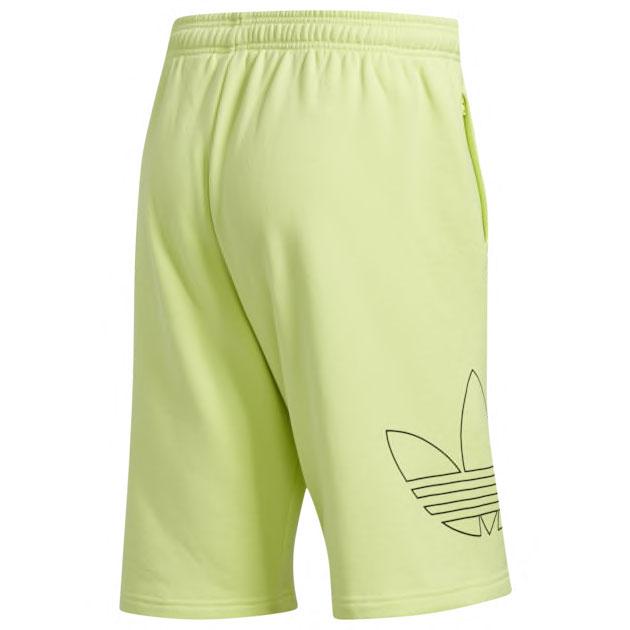 yeezy-boost-700-mnvn-phosphor-shorts-match-2