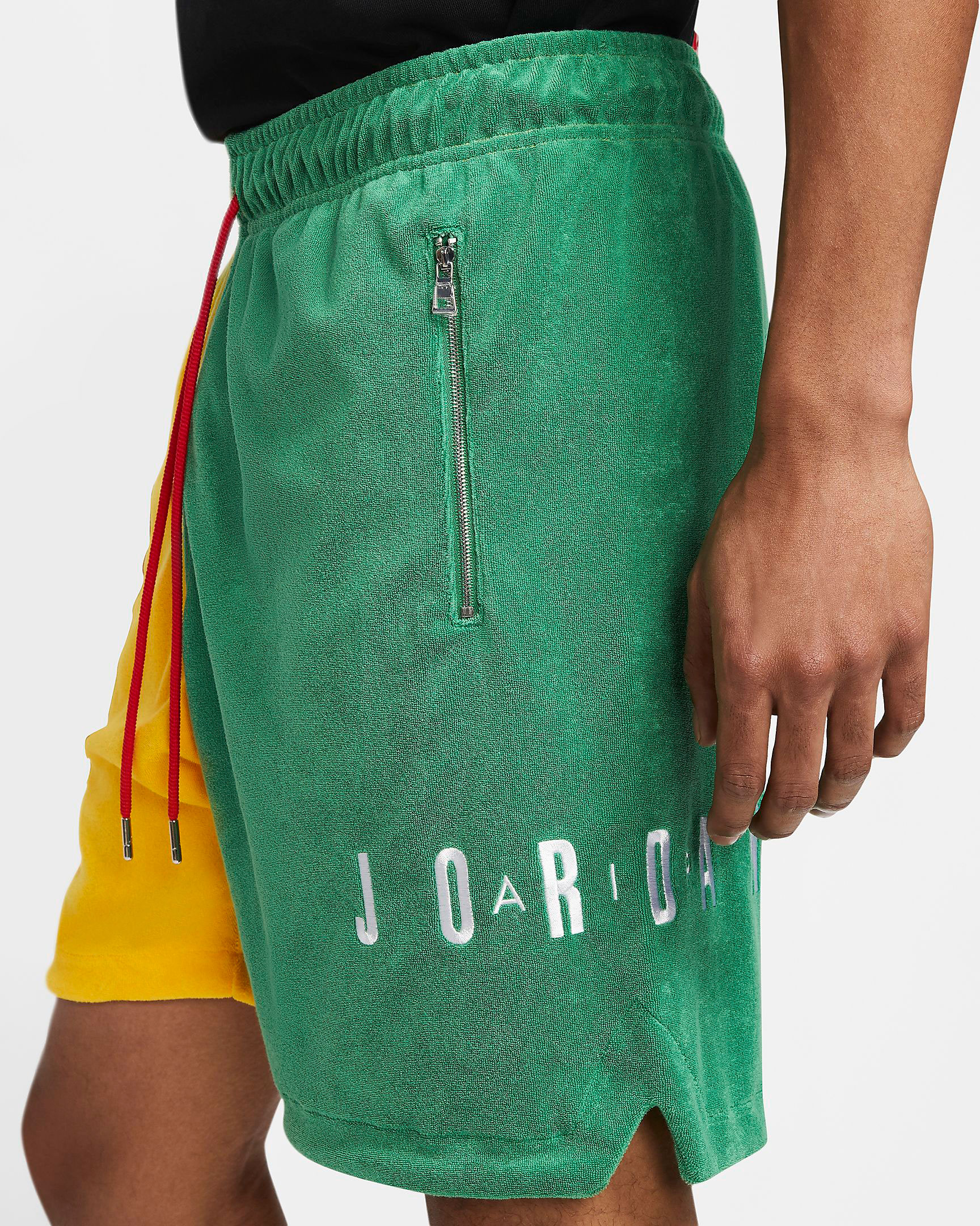 air-jordan-4-green-metallic-shorts-match-2