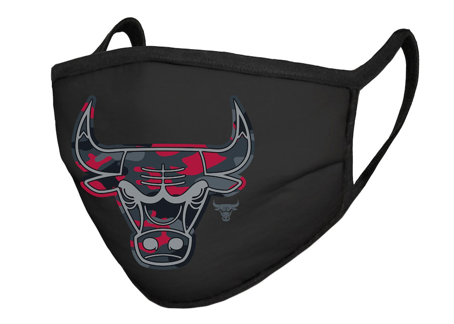 chicago-bulls-face-mask-covering-red-camo