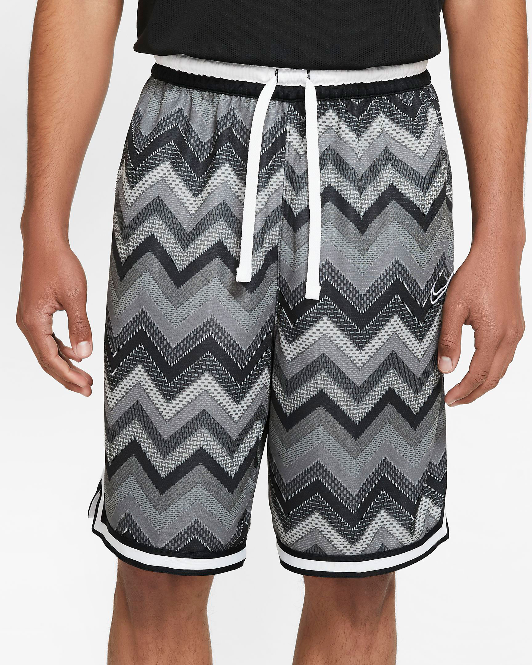 nike-kobe-mamba-fury-white-grey-platinum-shorts-match