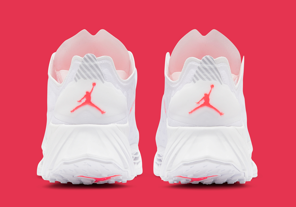 Jordan-Trunner-Ultimate-Flash-Crimson-CJ1495_100-2