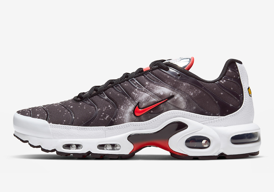 Nike-Air-Max-Plus-Supernova-Galaxy-CW6019-001-Release-Date-1