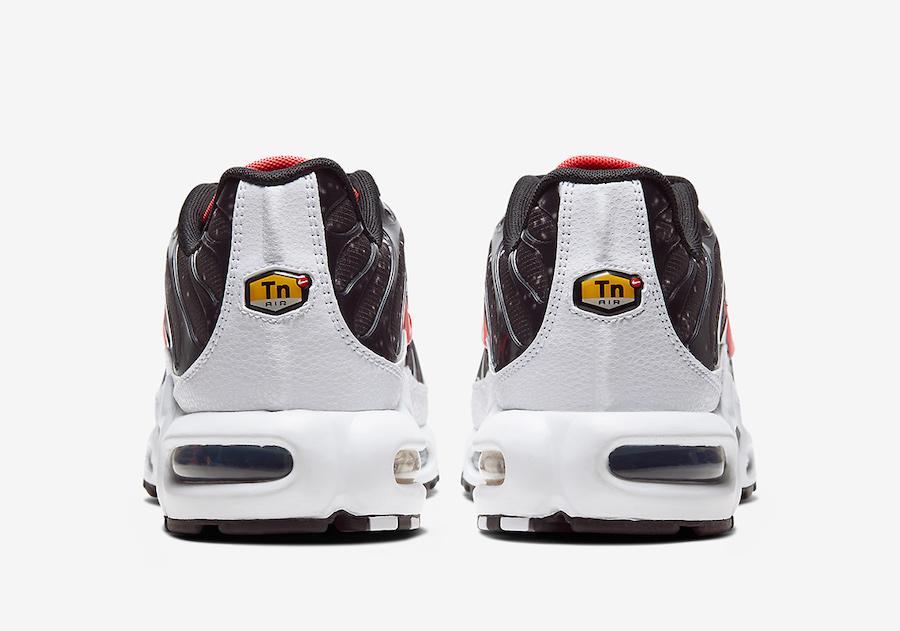 Nike-Air-Max-Plus-Supernova-Galaxy-CW6019-001-Release-Date-4