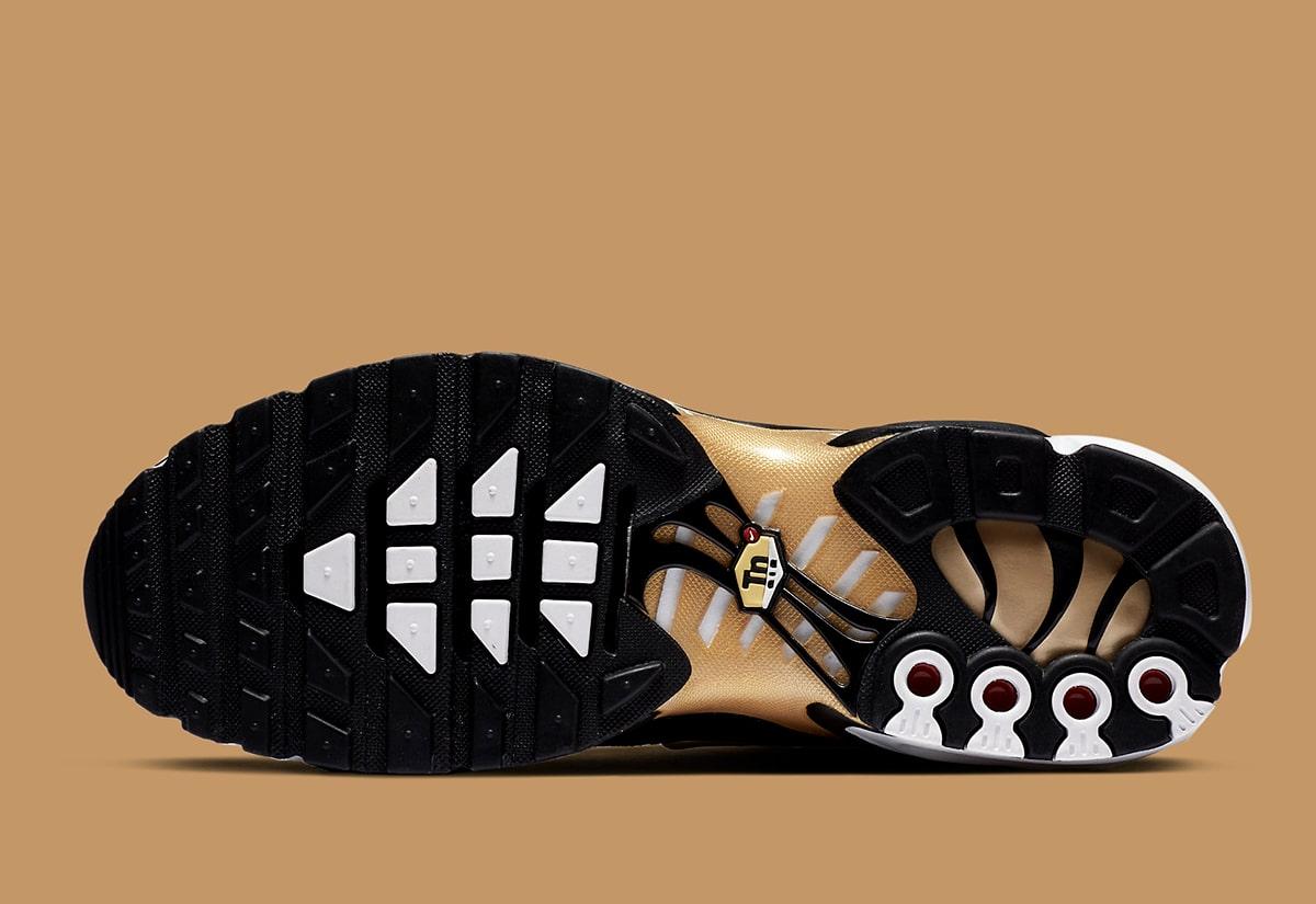 nike-air-max-plus-dmp-white-black-gold-cz9188-001-release-date-info-6