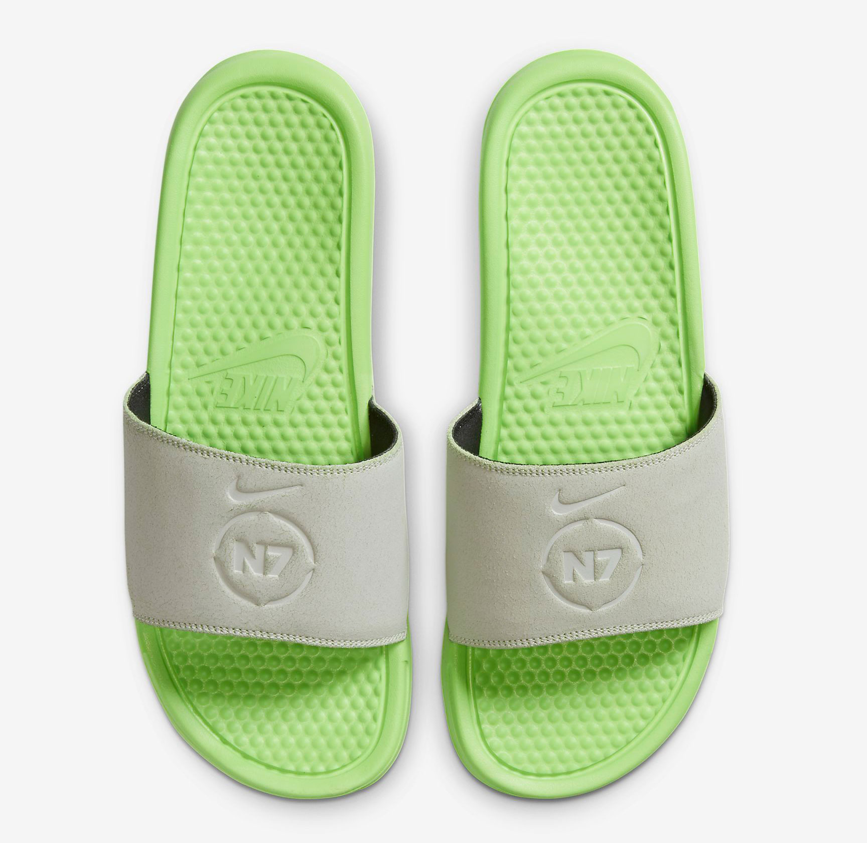 nike-benassi-n7-slide-sandal