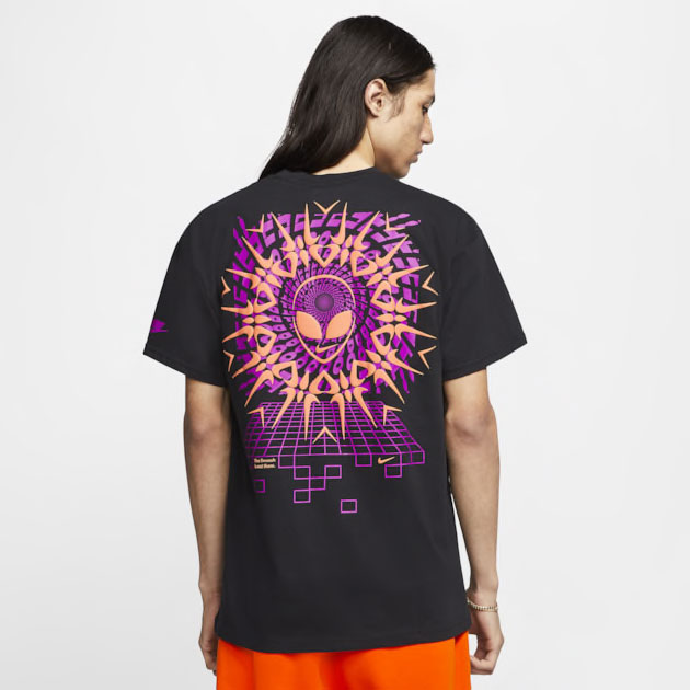 nike-supernova-alien-shirt-2