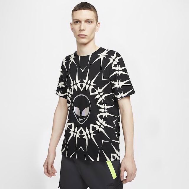 nike-supernova-alien-sneaker-match-shirt
