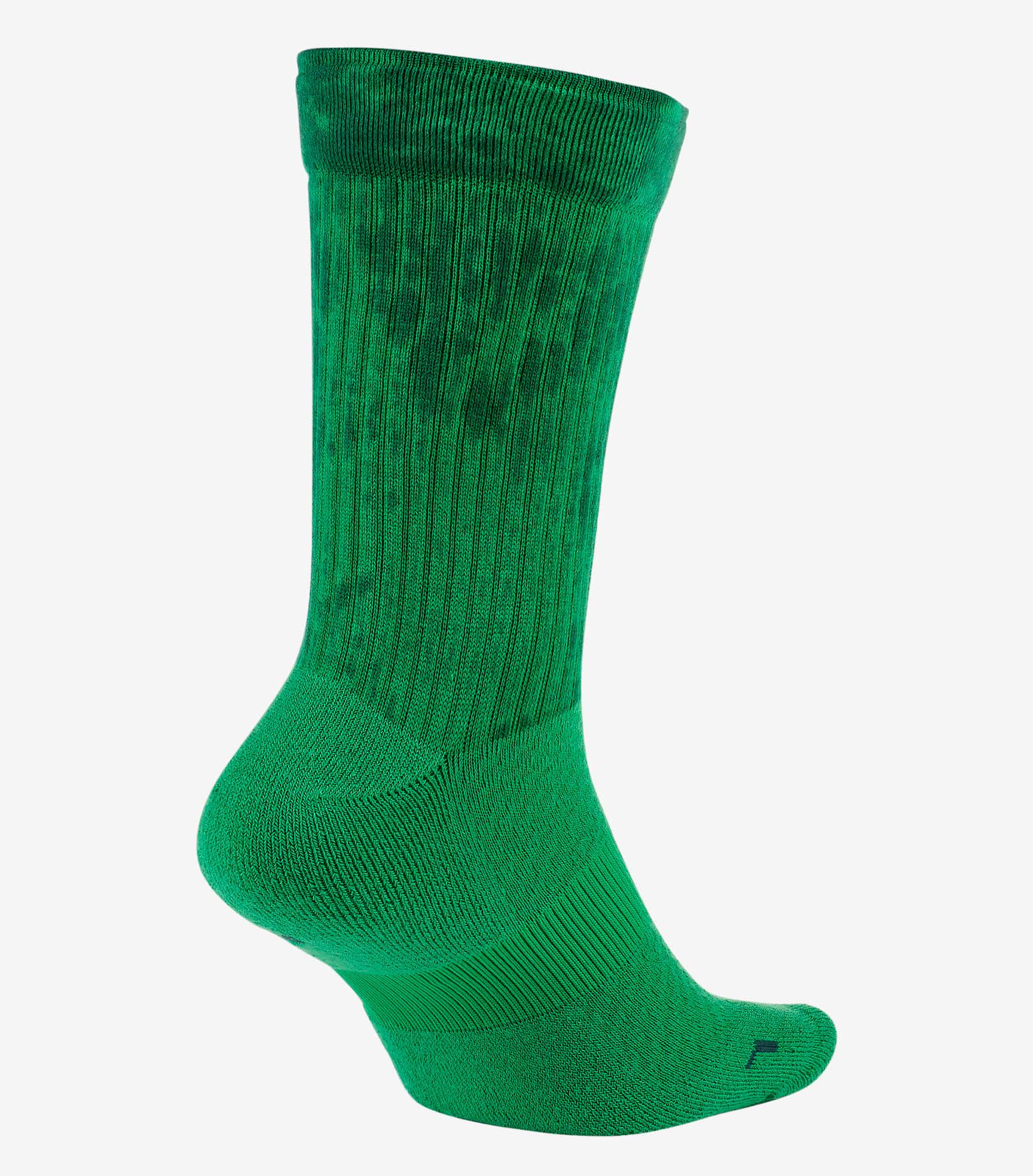 jordan-13-lucky-green-socks-2