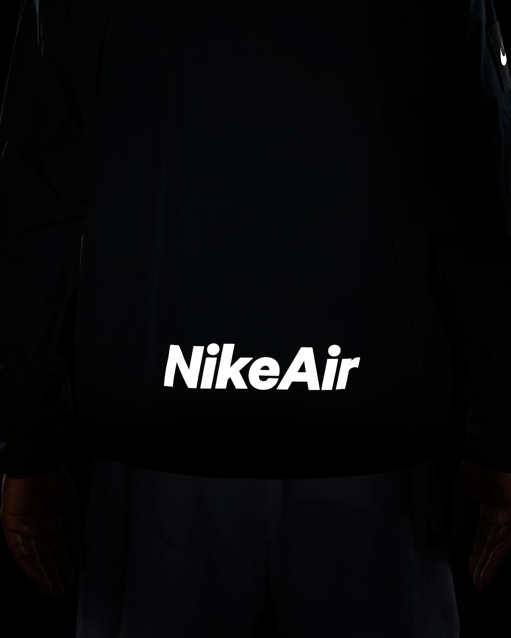 nike-air-utility-reflective-jacket-black-3