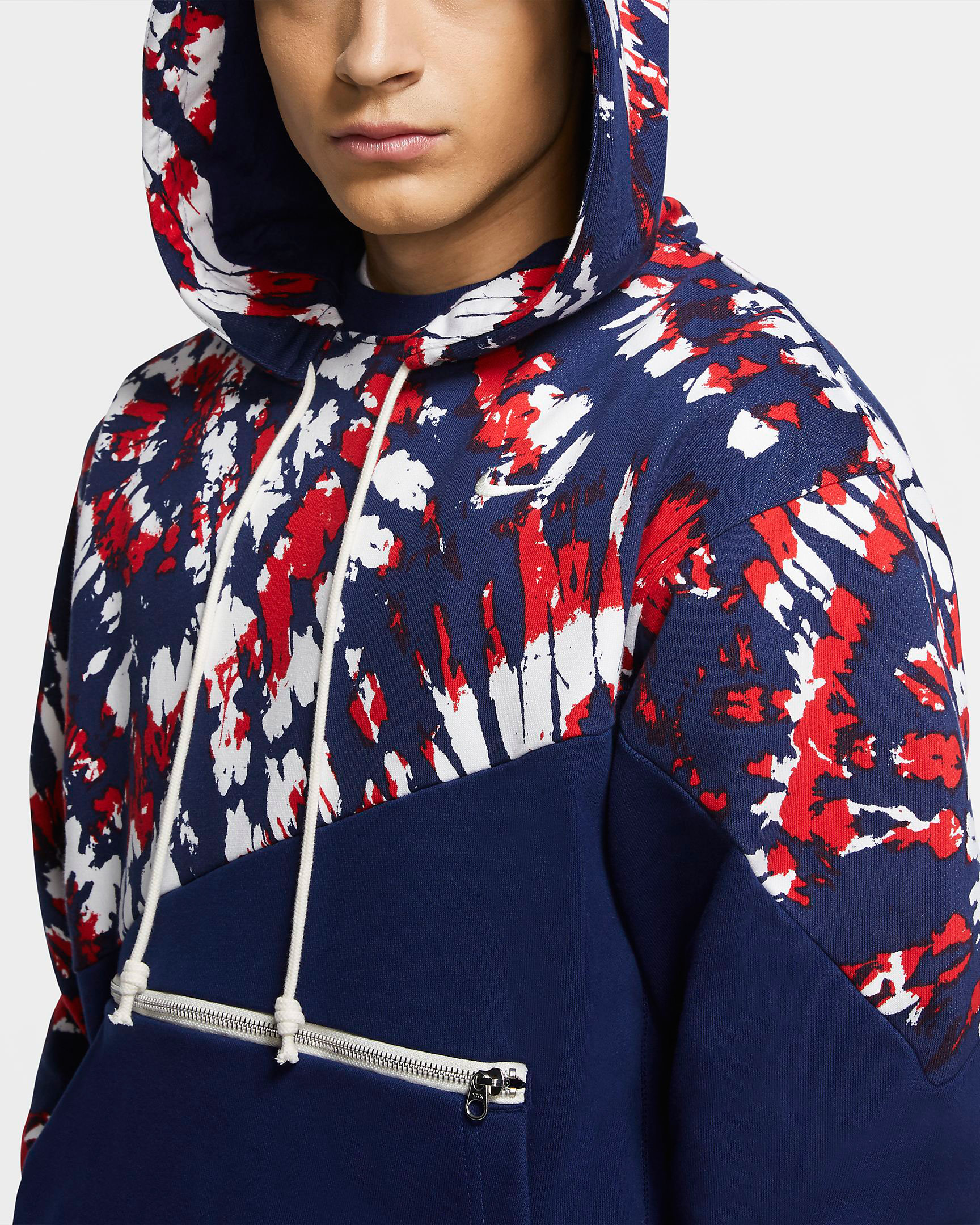 nike-lebron-17-graffiti-fire-red-cold-blue-hoodie