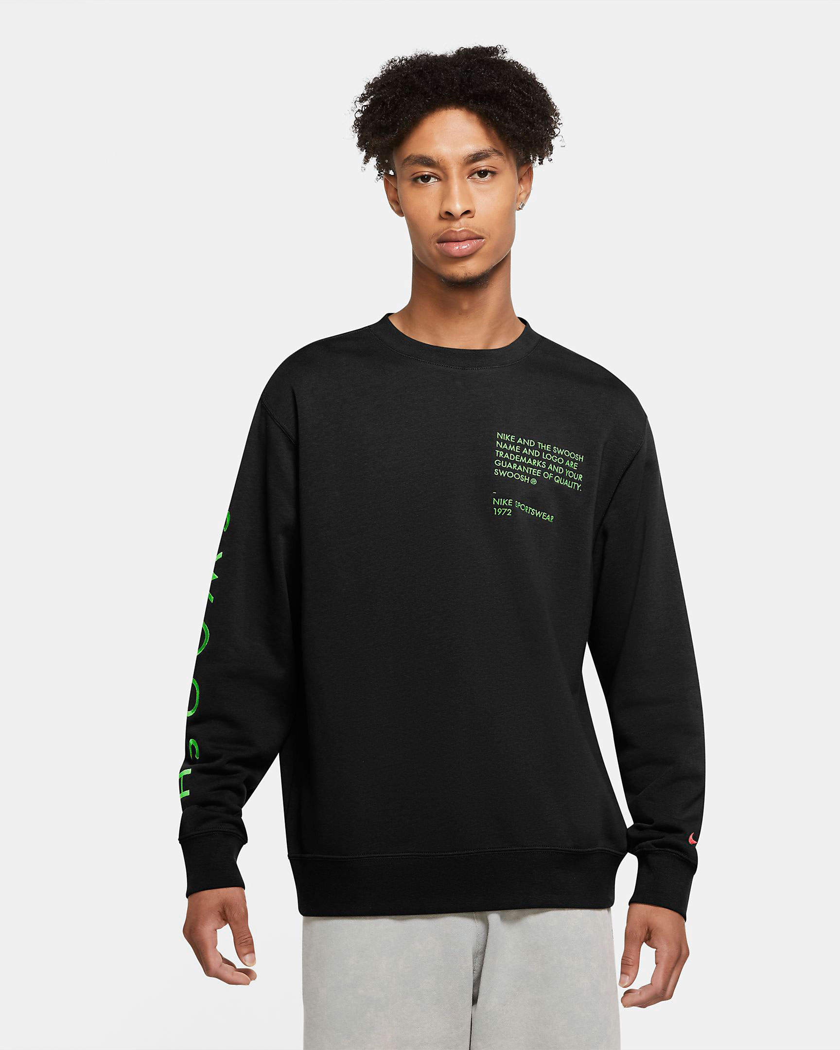 nike-worldwide-sweatshirt-black-green-1