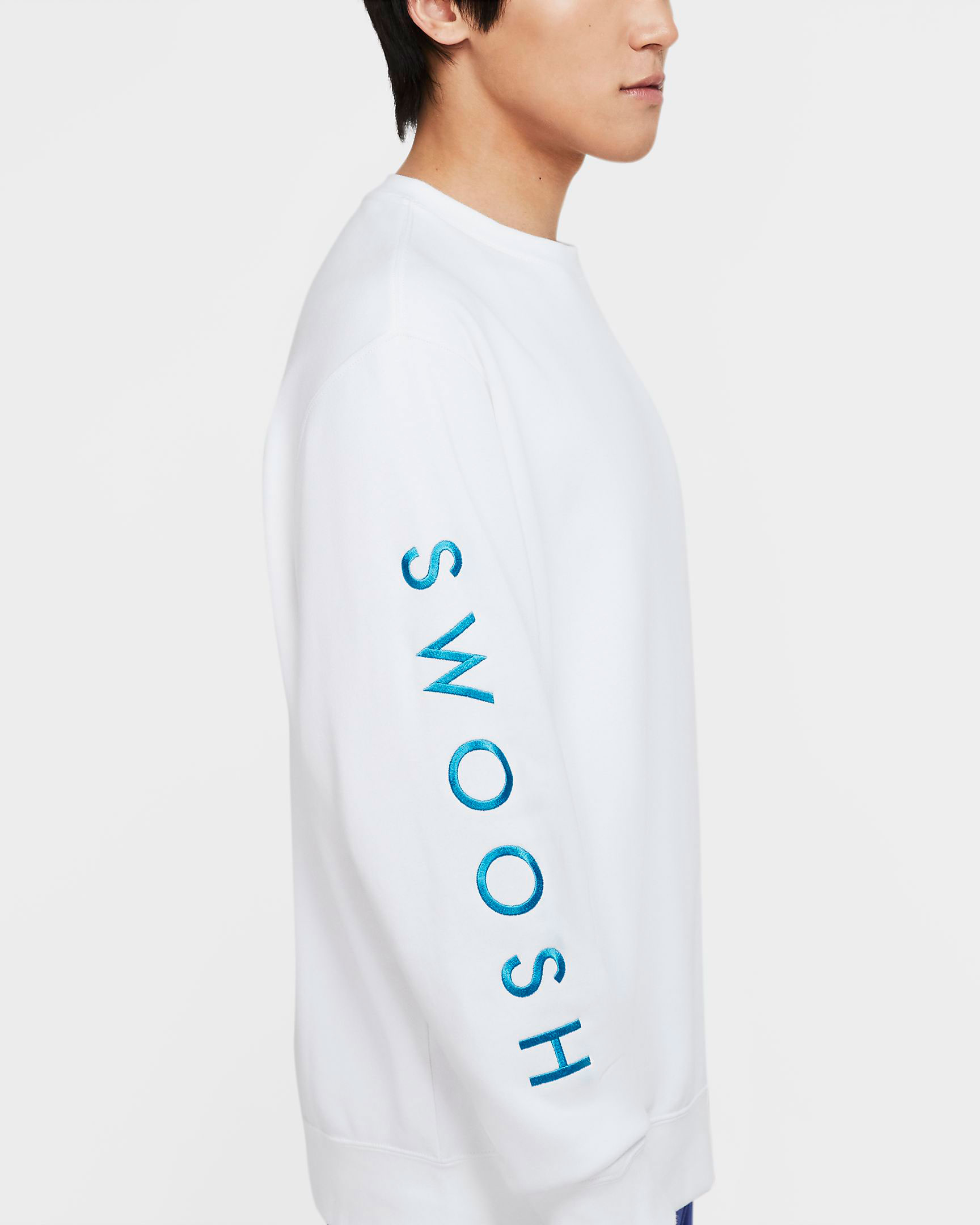 nike-worldwide-sweatshirt-white-blue-2