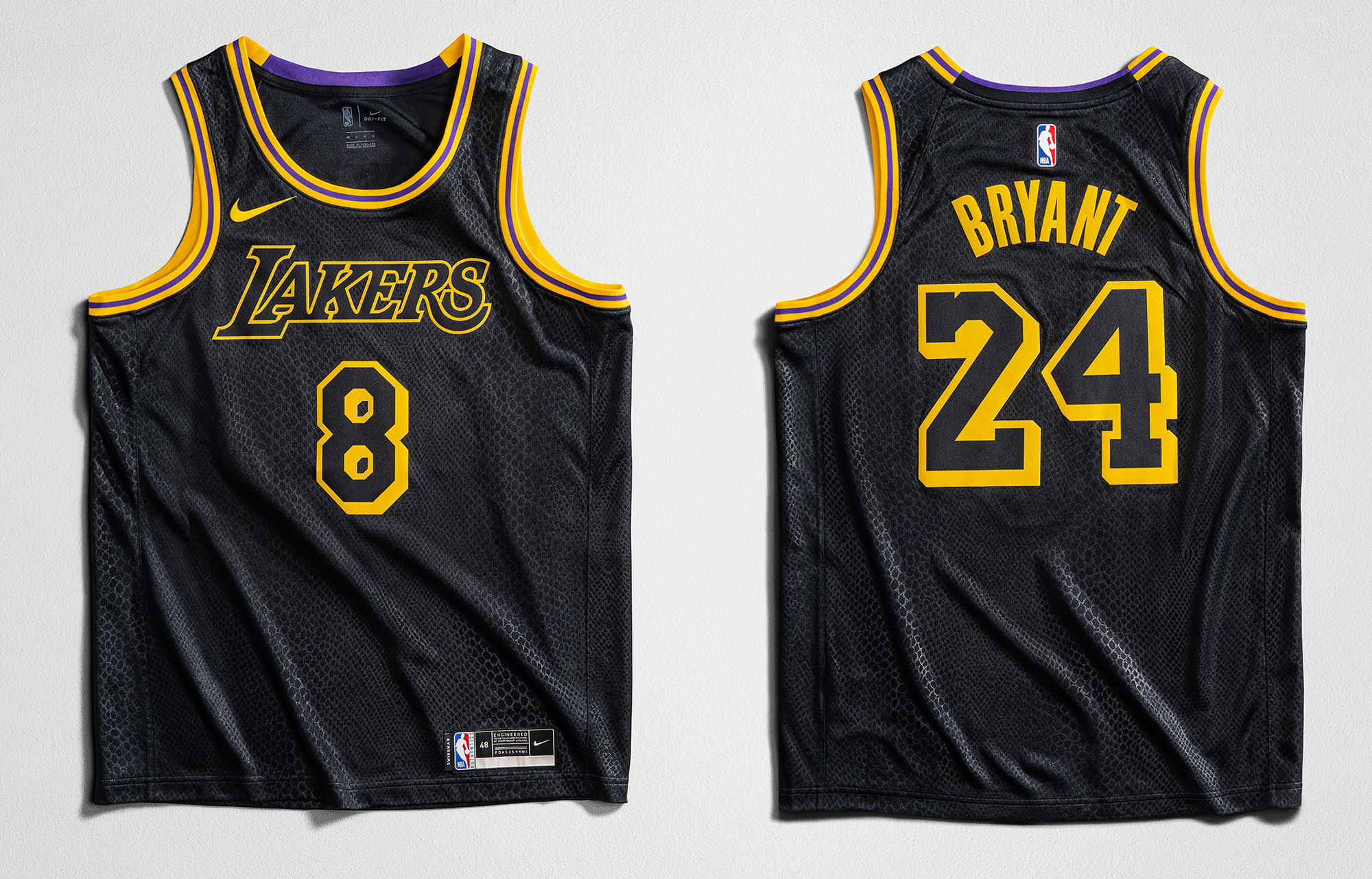 kobe-bryant-black-mamba-lakers-jersey