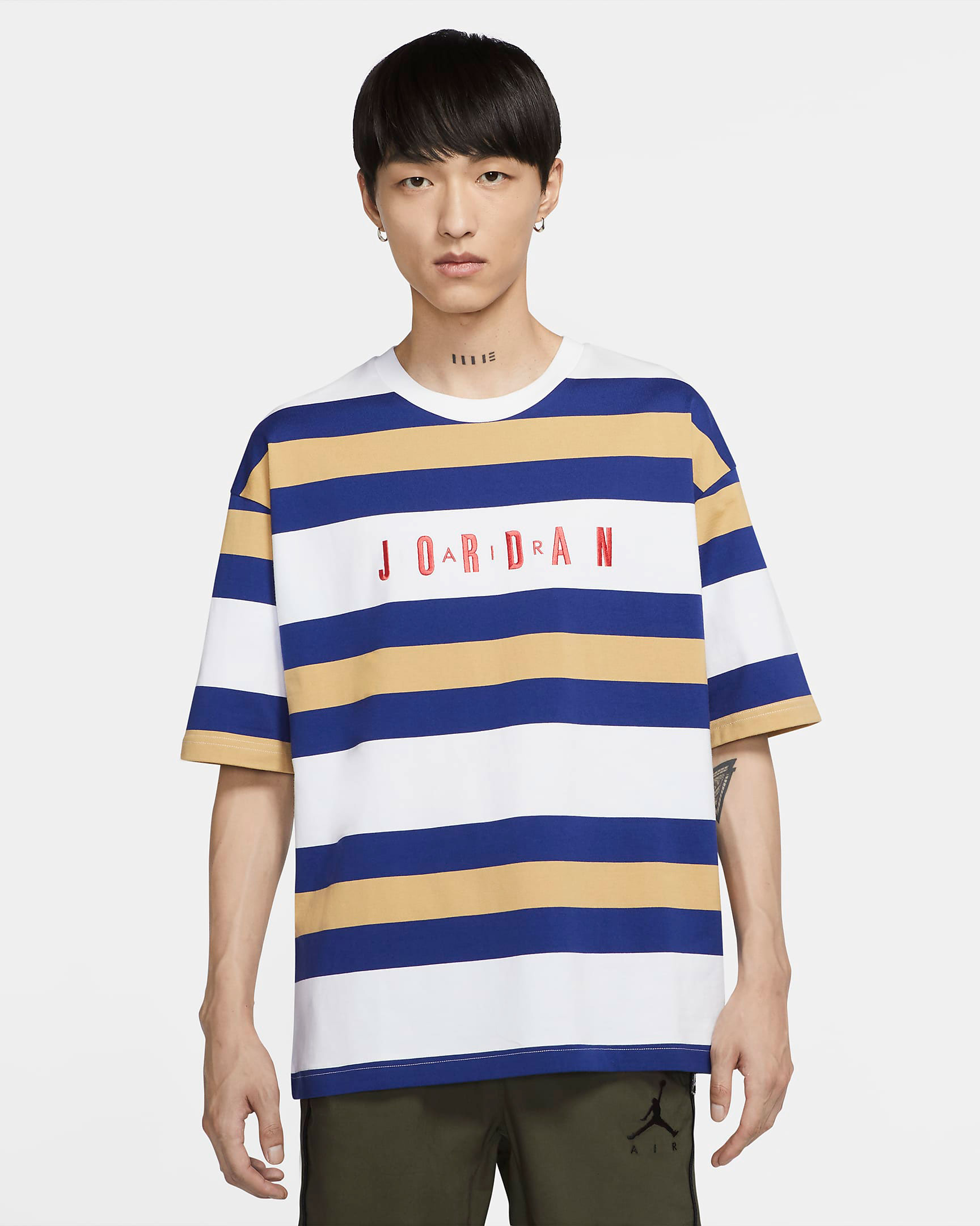 air-jordan-14-hyper-royal-shirt-match-6