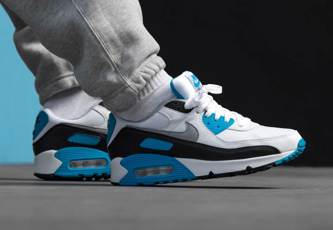 Nike-Air-Max-90-Laser-Blue-sneaker-outfits