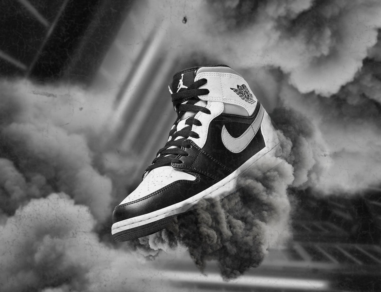 air-jordan-1-mid-light-smoke-grey