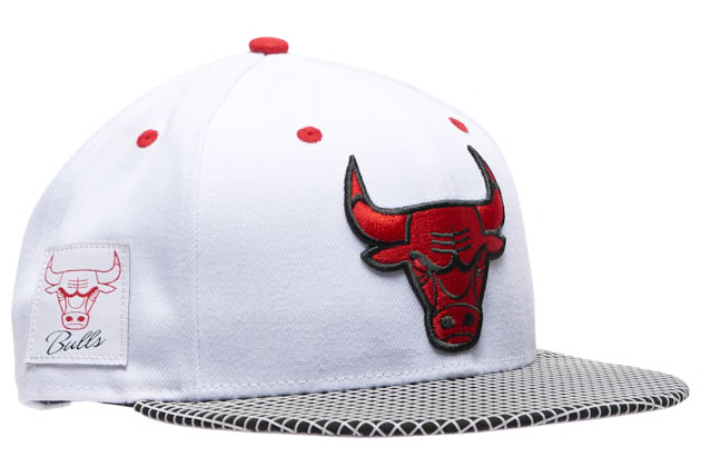 air-jordan-4-fire-red-2020-bulls-hat-3