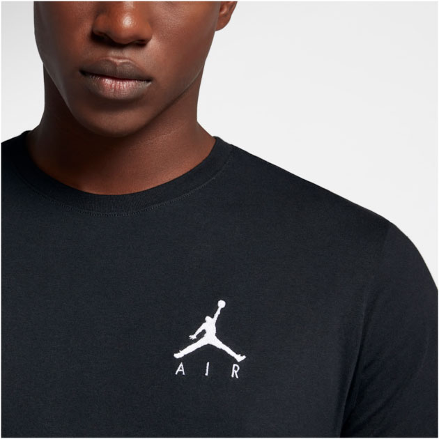 jordan-1-dark-mocha-black-shirt-match-2