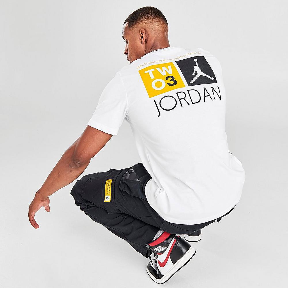 jordan-12-university-gold-sneaker-match-tee-shirt-4