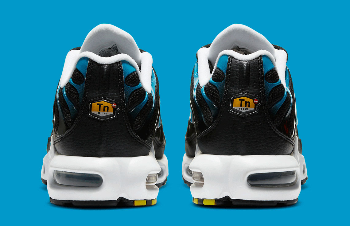 nike-air-max-plus-black-laser-blue-release-date-price-5