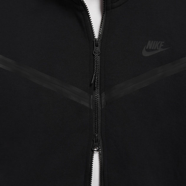 nike-foamposite-one-anthracite-blackout-hoodie-match-2