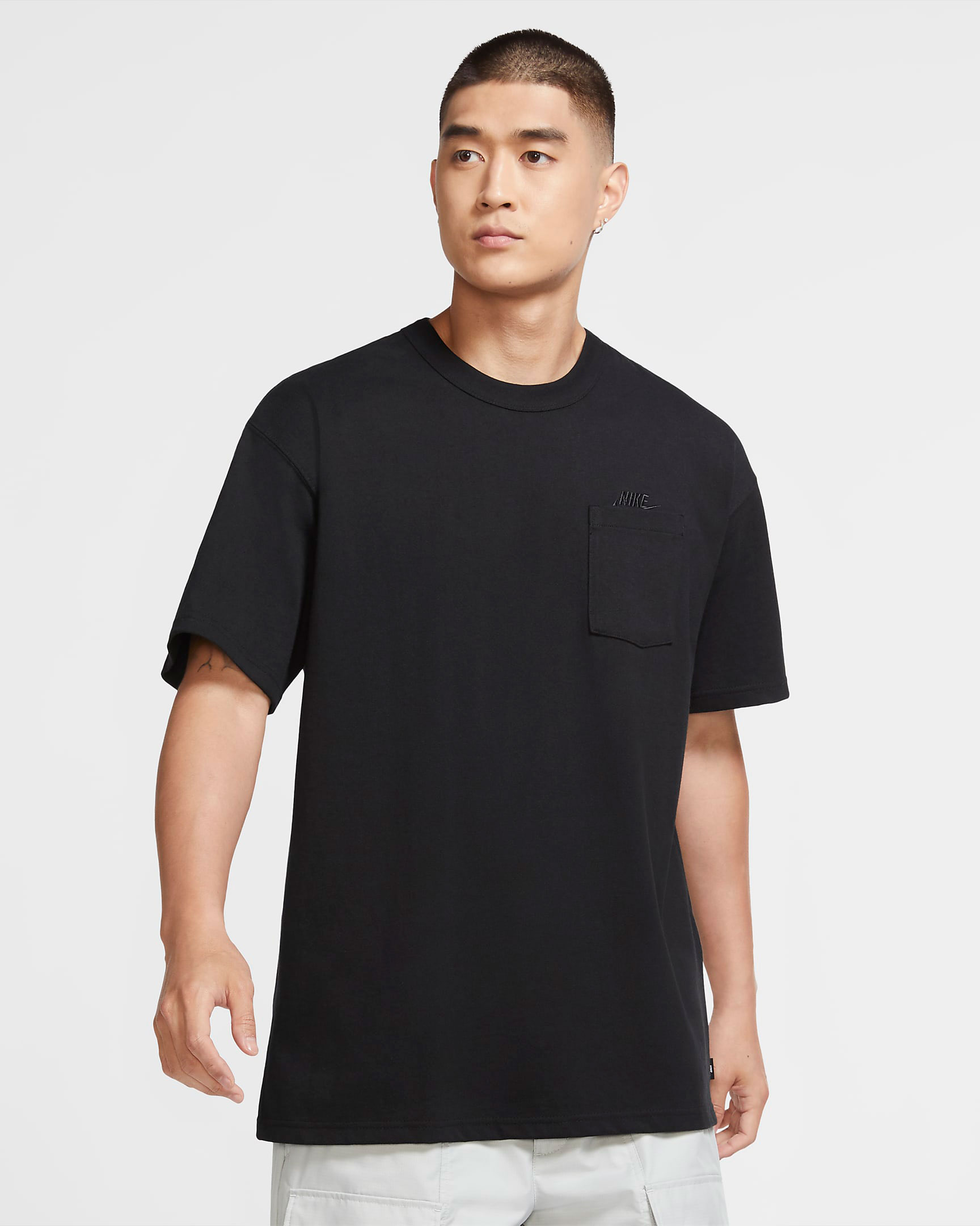 nike-foamposite-one-anthracite-blackout-shirt-match-2