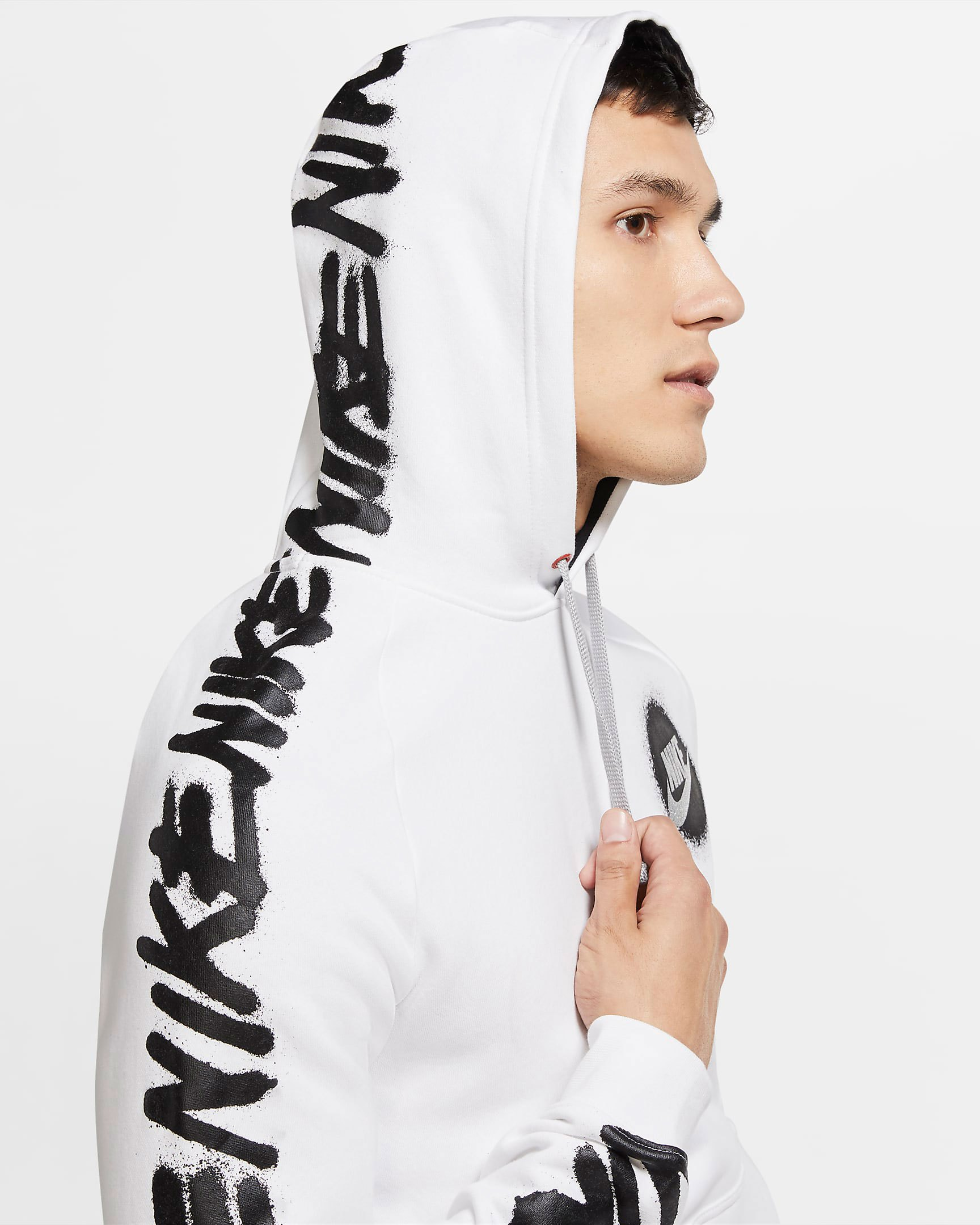 nike-sportswear-spray-paint-club-hoodie-white-2