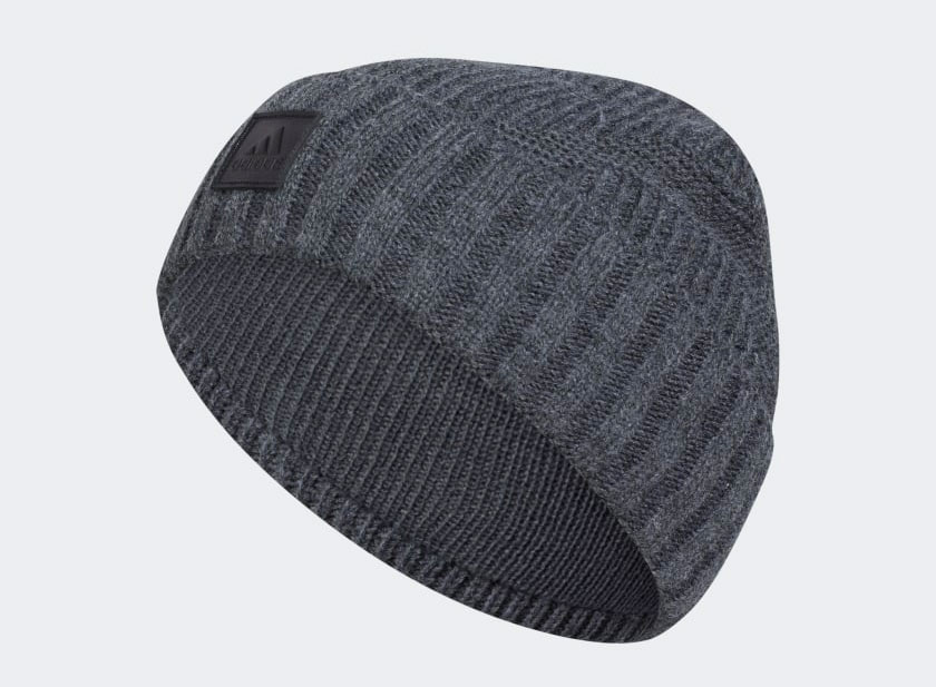yeezy-350-v2-carbon-winter-hat-2