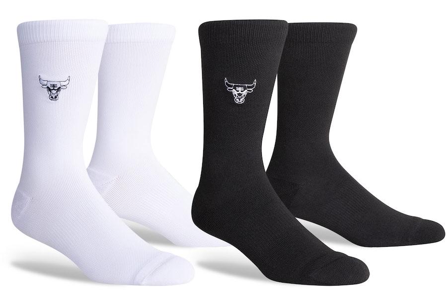 air-jordan-11-jubilee-black-white-bulls-socks