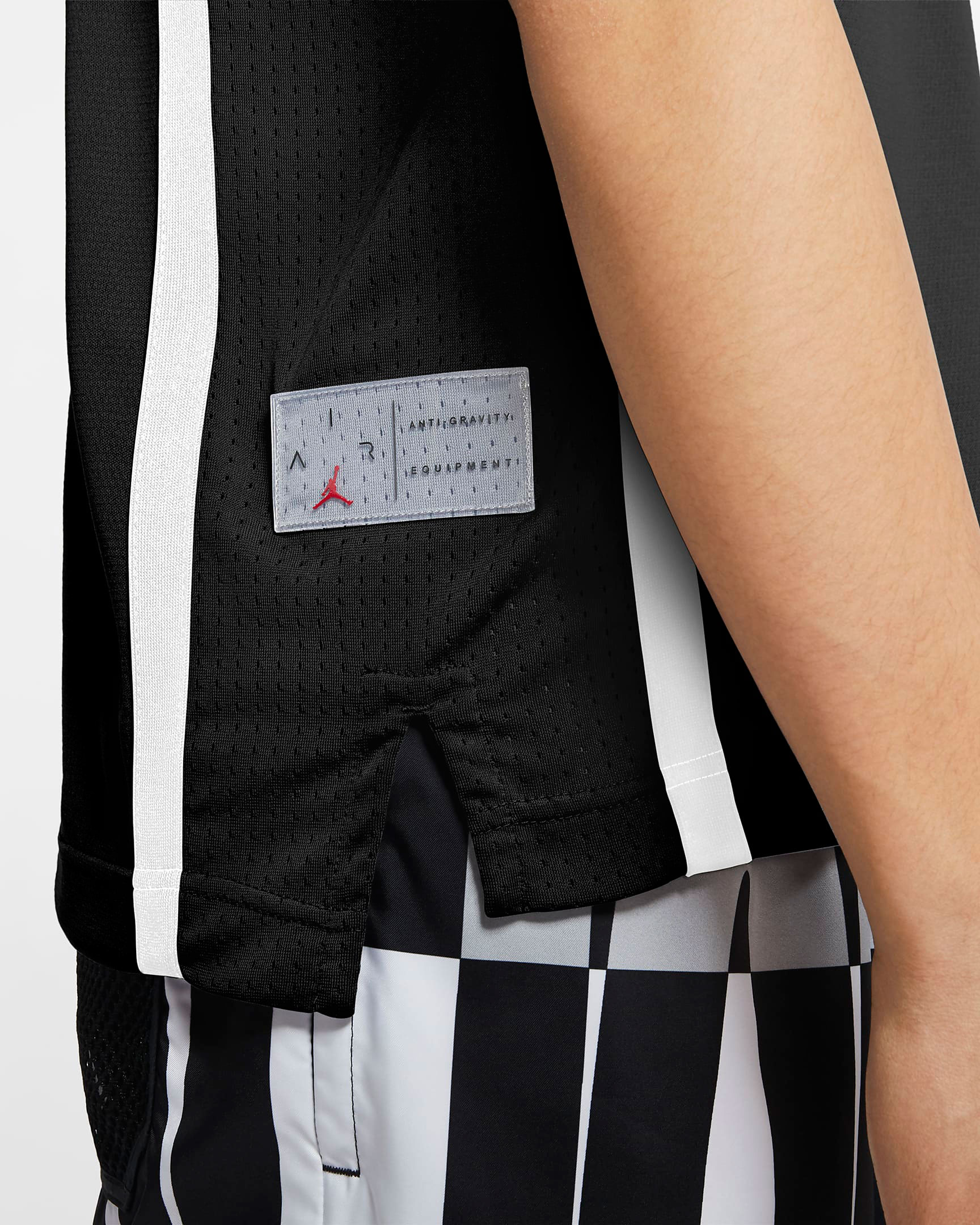 air-jordan-11-jubilee-black-white-jordan-jersey-3