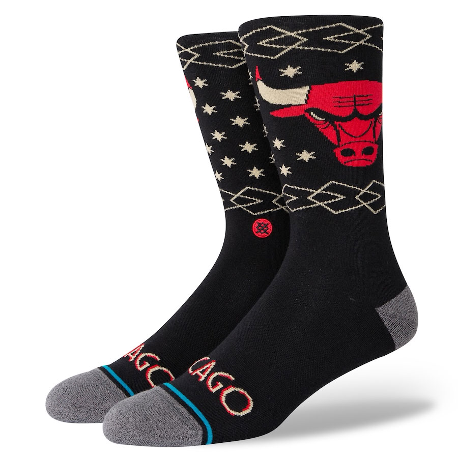 jordan-1-black-gold-chicago-bulls-2020-21-city-edition-socks