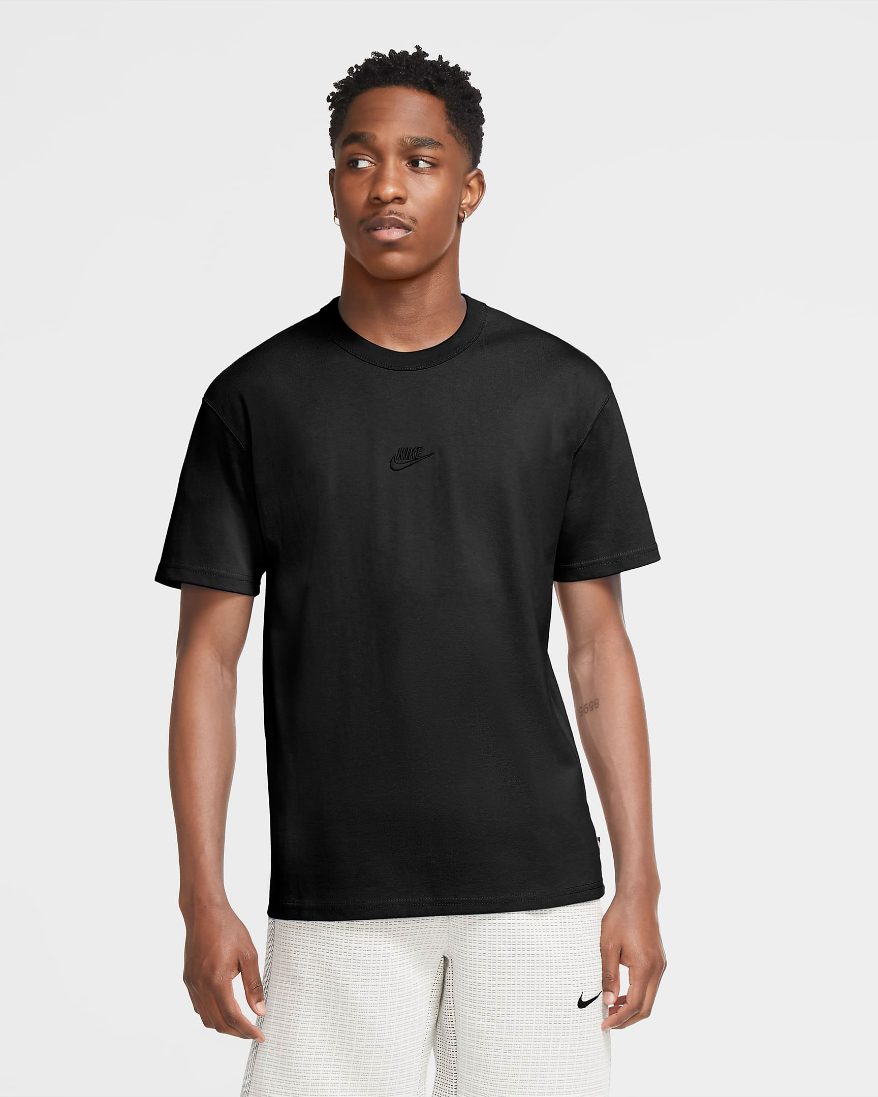 nike-adapt-auto-max-triple-black-tee-shirt