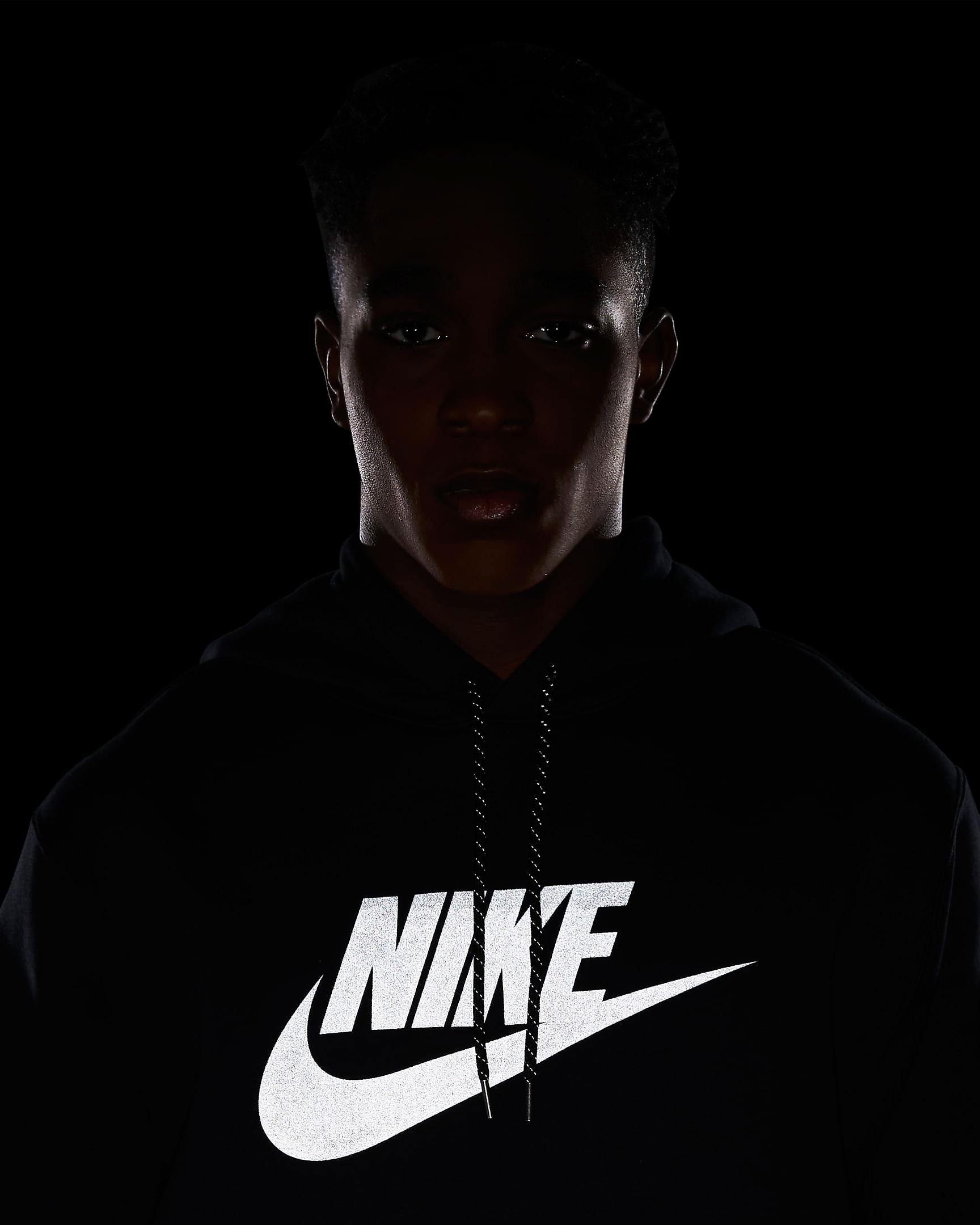nike-air-reflective-hoodie-black-silver-2