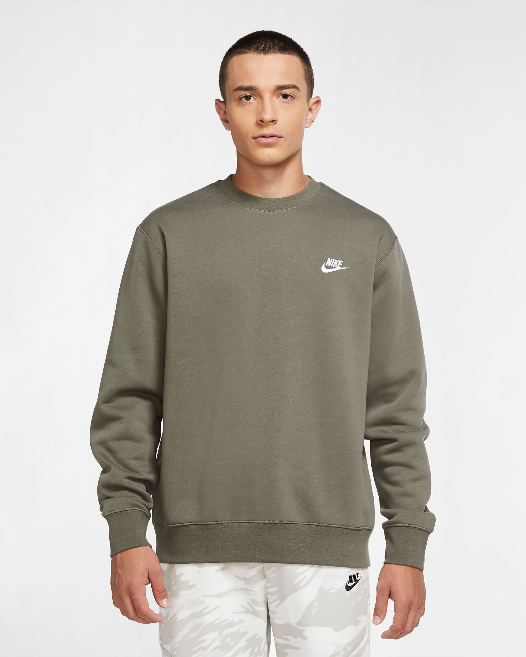 nike-club-fleece-sweatshirt-twilight-marsh-olive-green
