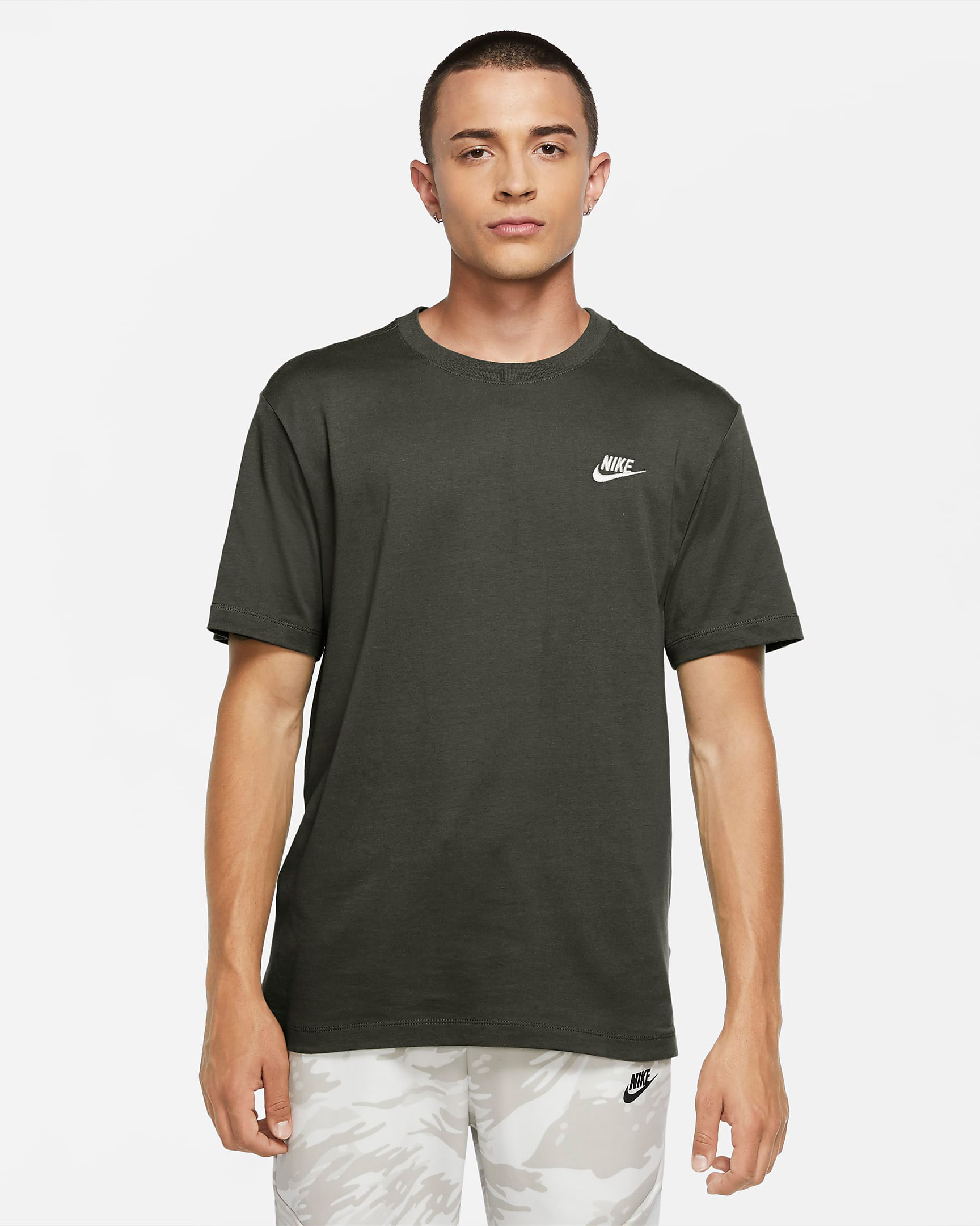 nike-club-t-shirt-twilight-marsh-olive-green
