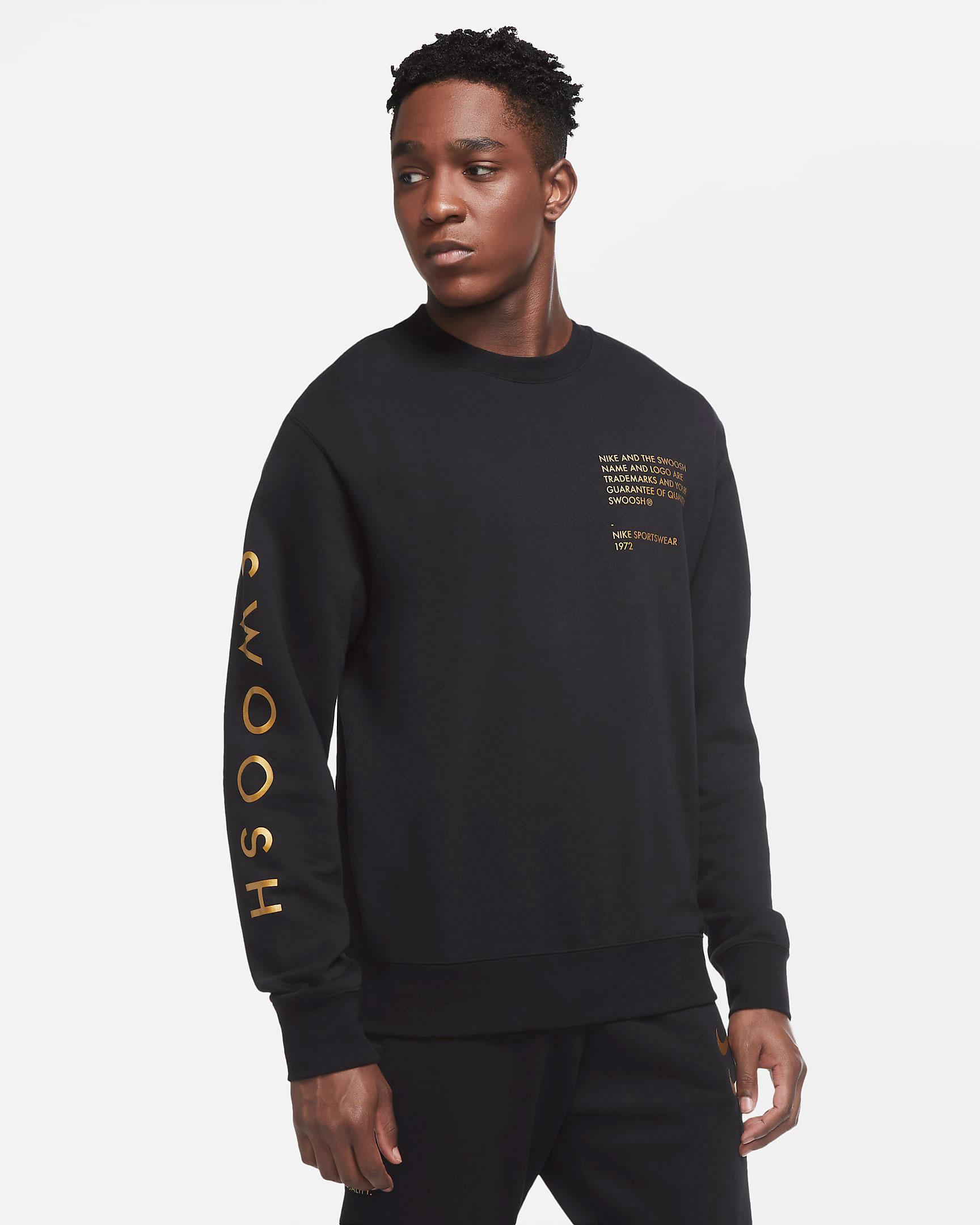 nike-sportswear-swoosh-crew-sweatshirt-black-metallic-gold-1