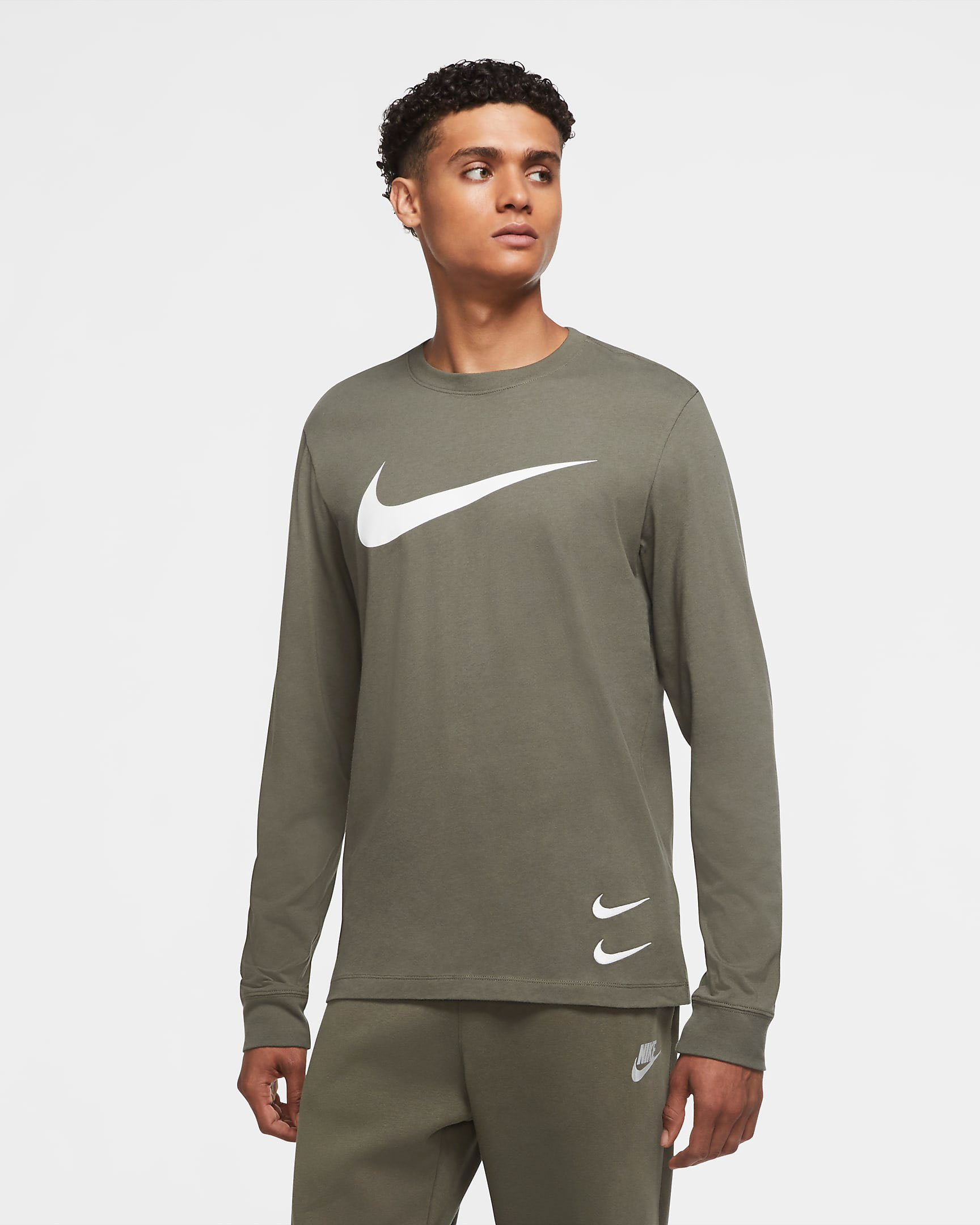 nike-sportswear-swoosh-long-sleeve-shirt-twilight-marsh-olive-green