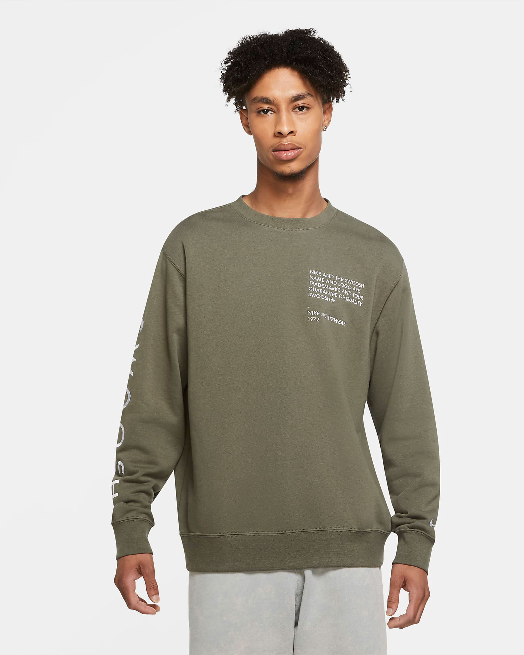 nike-sportswear-swoosh-sweatshirt-twilight-marsh-olive-green