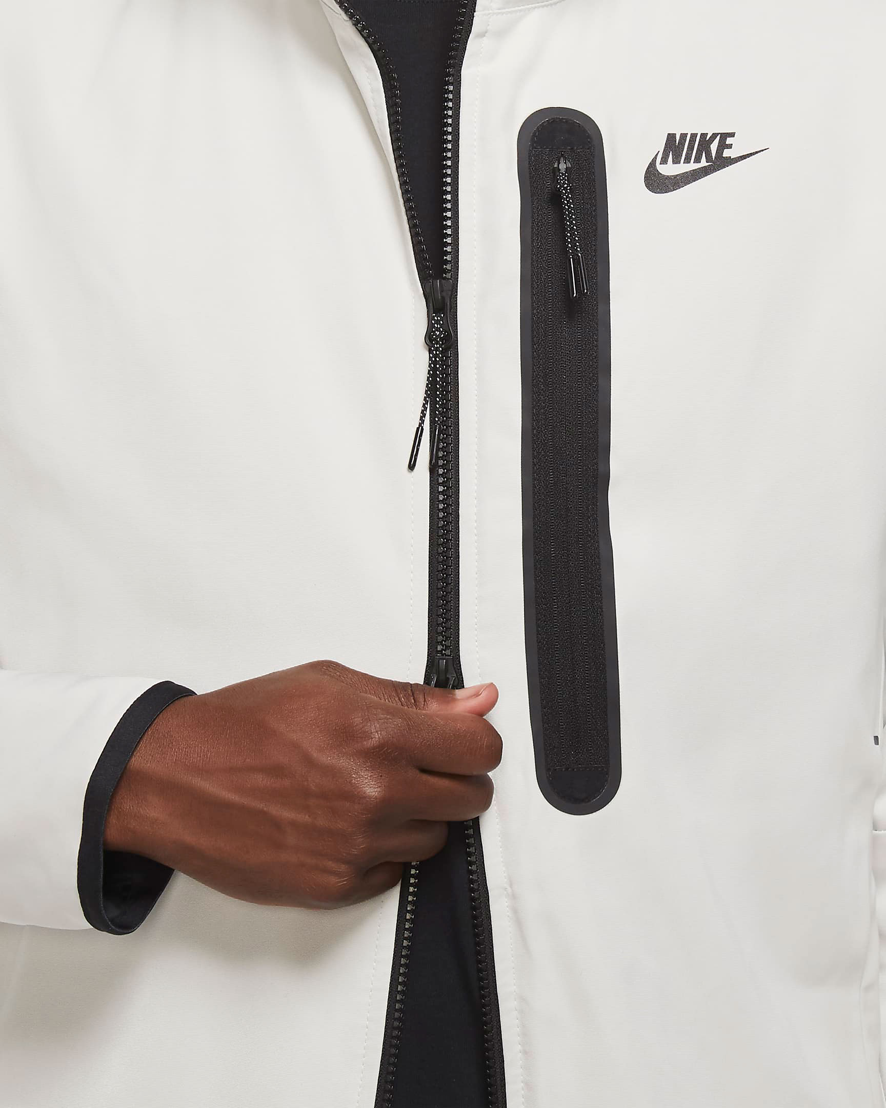 nike-sportswear-tech-essentials-repel-jacket-bone-black-5
