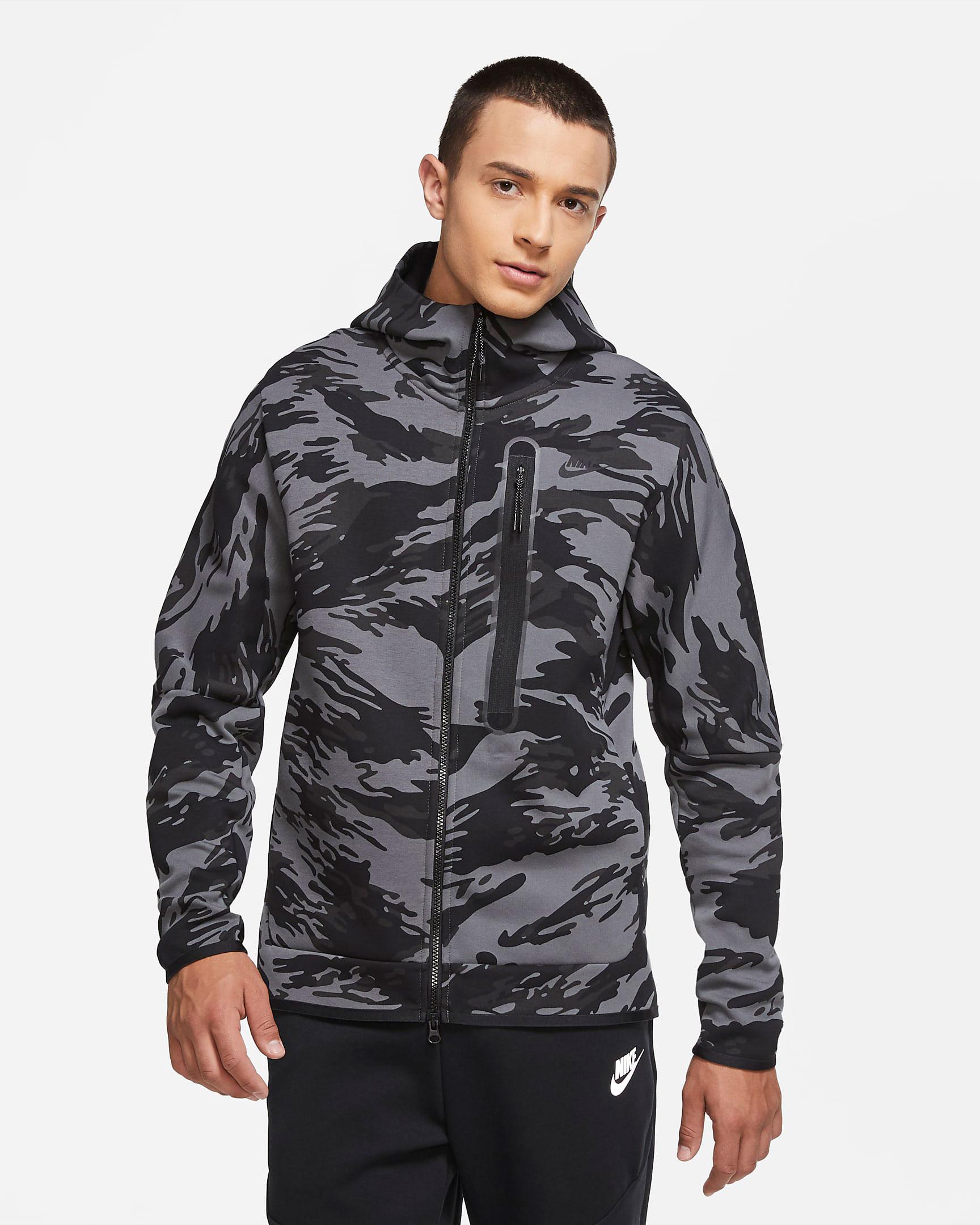 nike-vapormax-2020-oreo-tech-fleece-hoodie