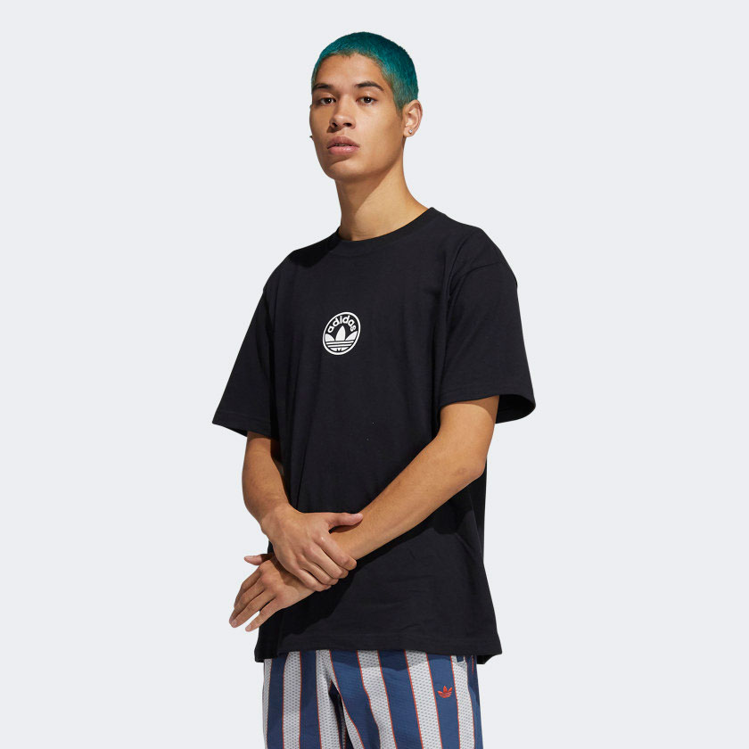 pharrell-adidas-nmd-hu-black-white-tee-shirt-match