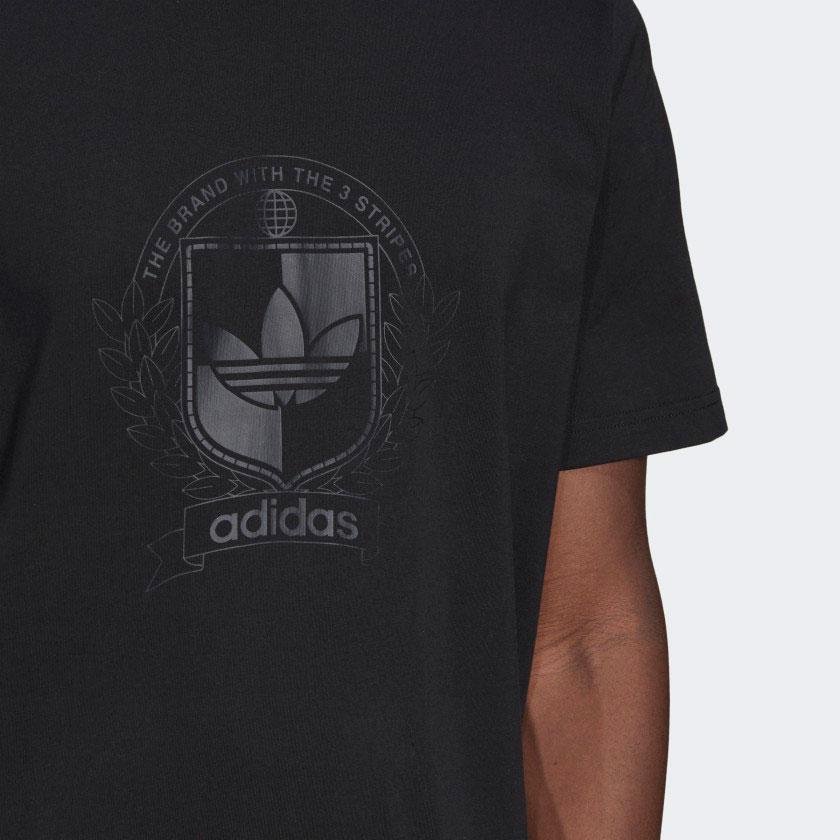 yeezy-380-onyx-adidas-t-shirt-match-2