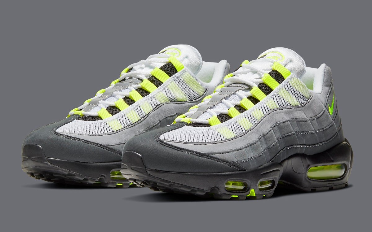 Nike-Air-Max-95-OG-Neon-CT1689-001-2
