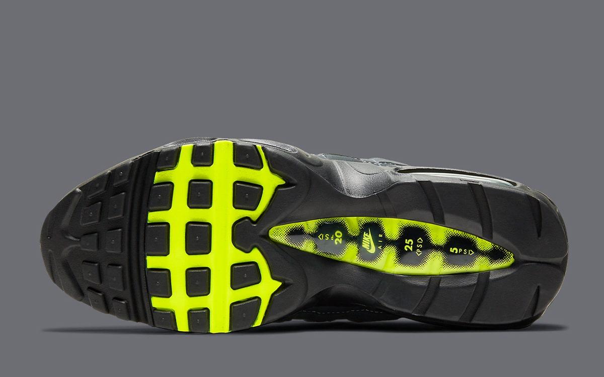 Nike-Air-Max-95-OG-Neon-CT1689-001-6