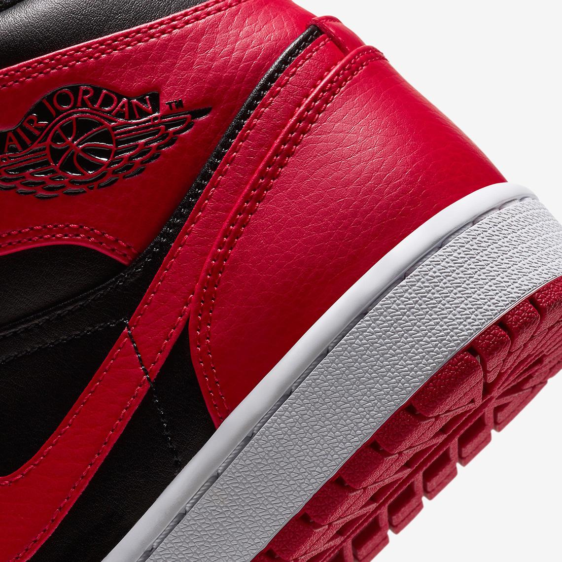air-jordan-1-mid-black-red-554724-074-2