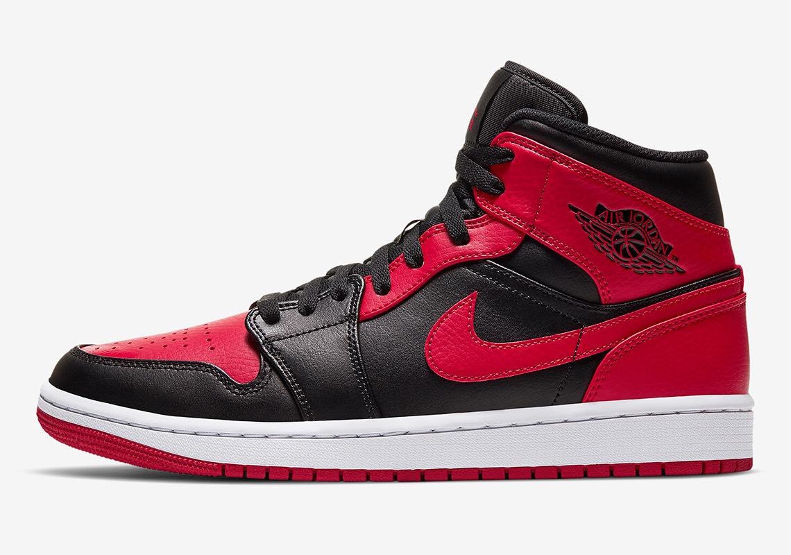 air-jordan-1-mid-black-red-554724-074-3