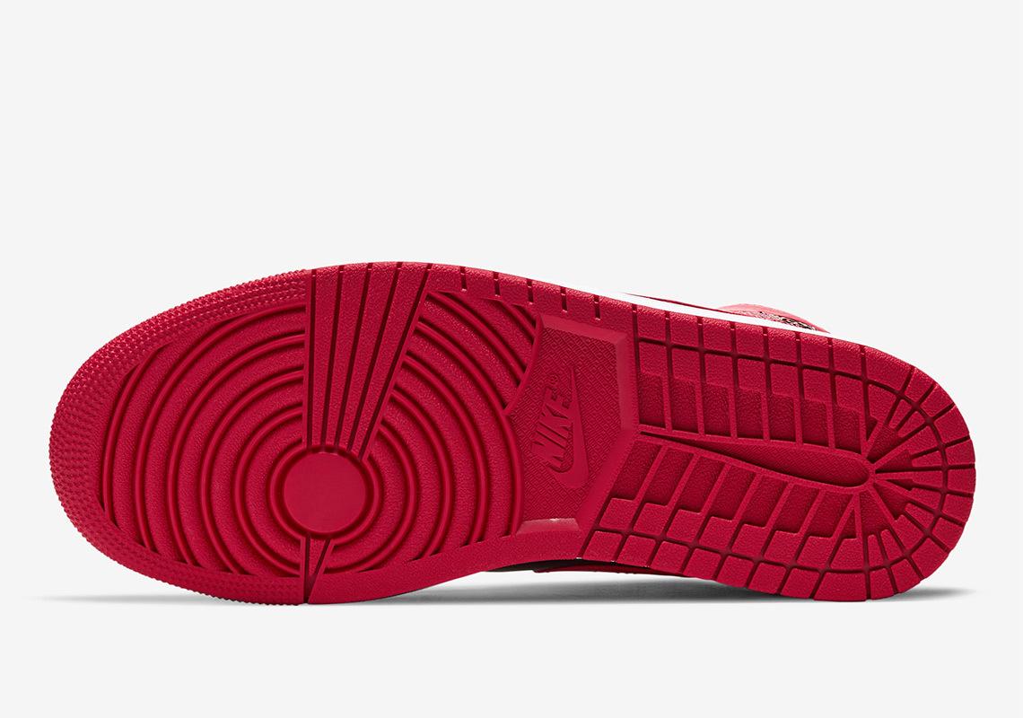 air-jordan-1-mid-black-red-554724-074-5