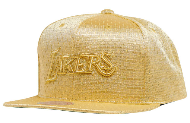 jordan-1-metallic-gold-lakers-hat