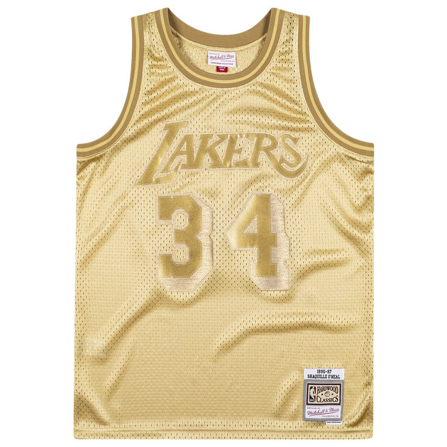 jordan-1-metallic-gold-shaquille-oneal-mitchell-and-ness-gold-jersey-2